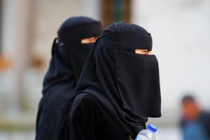 Ολλανδία: Τέλος από σήμερα στην μπούρκα ή το νικάμπ σε δημόσιους χώρους