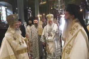 Αρχιερατικό Συλλείτουργο προεξάρχοντος του Αρχιεπισκόπου στην Ύδρα