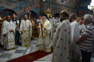 Ο Μητροπολίτης Ελευθερουπόλεως στην Ι.Μ Αγίου Ραφαήλ Μυτιλήνης μετά προσκυνητών του