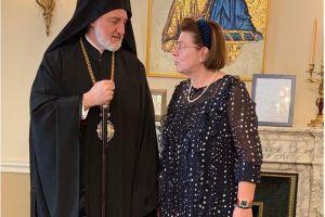 Με τον Αρχιεπίσκοπο Αμερικής Ελπιδοφόρο συναντήθηκε η Υπ. Πολιτισμού