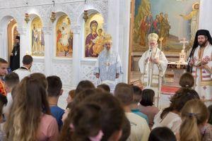 Ο Αρχιεπίσκοπος Αλβανίας Αναστάσιος μιλά στα παιδιά