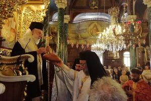 Σε εορτάζοντες πολύτιμους συνεργάτες του ευχήθηκε ο Μητροπολίτης Σύρου Δωρόθεος