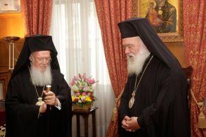 Πατριάρχης και Αρχιεπίσκοπος στη δεξίωση της Γιάννας και η συζήτηση για το «Ουκρανικό»