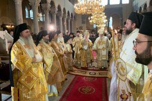 Το Συλλείτουργο  Οικ. Πατριάρχη με Αρχιεπίσκοπο Αθηνών- Η μνημόνευση του Κιέβου-Η Μόσχα παρακολουθεί τις εξελίξεις και.. απειλεί- Οι ευχαριστίες του Πατριάρχη για το Ουκρανικό- Βίντεο.