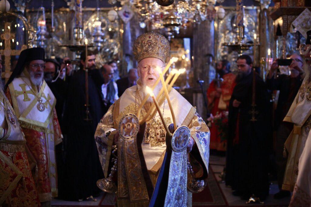 Η Θεία Λειτουργία στην Ι. Μονή Ξενοφώντος του Οικουμενικού Πατριάρχη – Οι δε εννέα πού;