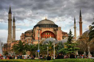 O Ερντογάν απειλεί: «Θα ξανακάνουμε τζαμί την Αγία Σοφία!» – Να την κάνει για να αρχίσει το τέλος του!