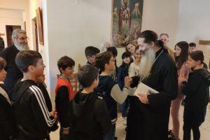 Μεγάλο πλήθος πιστών κατακλύζει καθημερινά τα Γραφεία της Ιεράς Μητροπόλεως Φθιώτιδος