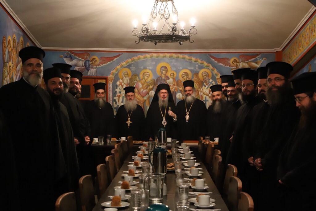 You are currently viewing Εσπερινός των Ταξιαρχών στην Ι.Μ. Ασωμάτων Πετράκη
