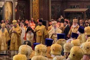 Ντροπή και αίσχος! Συλλείτουργο Ιεροσολύμων – Μόσχας χωρίς αναφορά Οικουμενικού στα Δίπτυχα