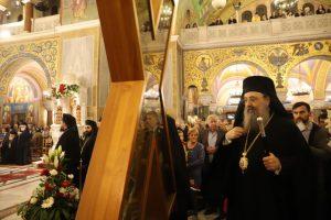Η Πάτρα τιμά τον Πολιούχο της Μεγάλο Άγιο Ανδρέα – Χιλιάδες πιστοί προσκυνούν την Αγία Κάρα Του