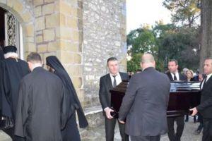 Το κοιμητήριο που ετάφη ο μακαριστός μητροπολίτης Αχελώου Κυρός Ευθύμιος στο Αγρίνιο