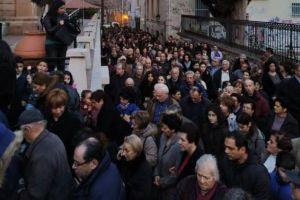 Κοσμοσυρροή στην υποδοχή των Τιμίων Δώρων στην Ι.Μητρόπολη Μυτιλήνης