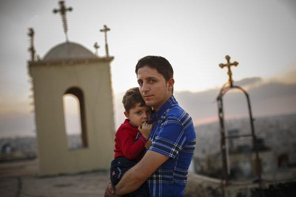 ΣΥΓΚΛΟΝΙΣΤΙΚΗ ΜΑΡΤΥΡΙΑ: Υπό διωγμόν οι Χριστιανοί πρόσφυγες στην Ελλάδα – Ακούει κανείς;;