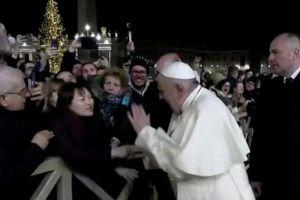 Ο Πάπας Φραγκίσκος νευρίασε και … έσπασε το ΑΛΑΘΗΤΟ: ζήτησε συγνώμη!
