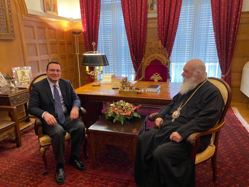 You are currently viewing Ο Γ.Γ. Δημόσιας Διπλωματίας και Θρησκευτικών κ Αλεξανδρής στον Αρχιεπίσκοπο