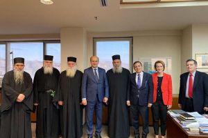 Ο Υπουργός κ. Χατζηδάκης συναντήθηκε με την Ιερά Κοινότητα του Αγίου Όρους και τον Διοικητή κ. Μαρτίνο