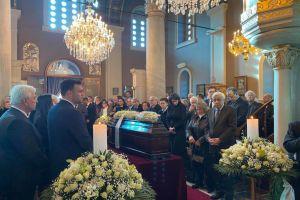 Η Εξόδιος  της Κικής Δημουλά στο  Α ´ Νεκροταφείο Αθηνών