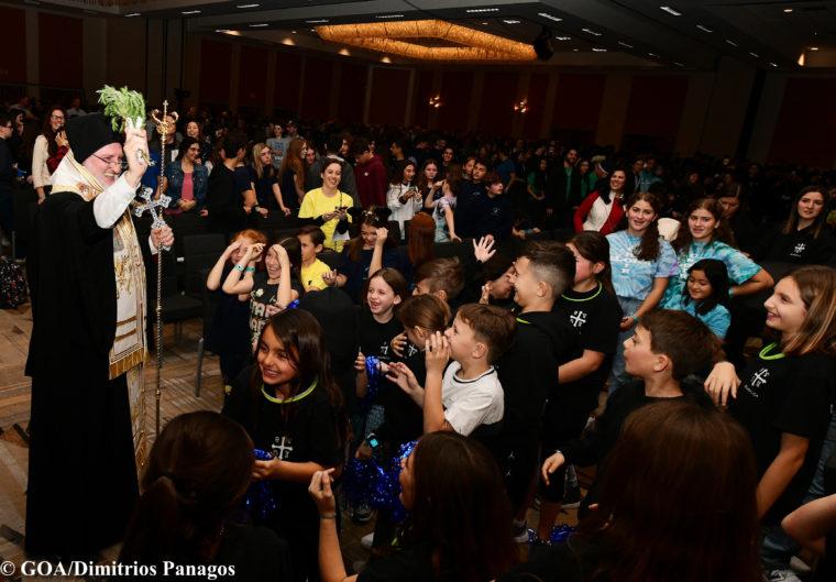 Ο Αρχιεπίσκοπος Ελπιδοφόρος στο Φεστιβάλ Χορού της Μητρόπολης Αγ. Φραγκίσκου