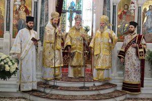 Μόνον ο Σύρου Δωρόθεος θυμήθηκε και τίμησε τον αείμνηστο Γλυφάδας Παύλο στο ετήσιο Μνημόσυνο