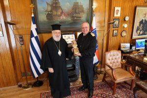 Τον Αρχηγό του Γενικού Επιτελείου Ναυτικού επεσκέφθη ο Μητροπολίτης Σύρου Δωρόθεος