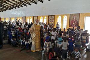 """Ο Πατριάρχης Αλεξανδρείας Θεόδωρος εόρτασε με τα """"παιδιά των σκουπιδιών"""""""