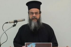Ο π.Αναστάσιος Γκοτσόπουλος προς τον Πρωθυπουργό: – «Σας τιμούν εικόνες με περιπολικά έξω από εκκλησίες;»