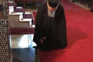 Ο Πατριάρχης του Γένους ως αείποτε προσευχόμενος για όλους μας!