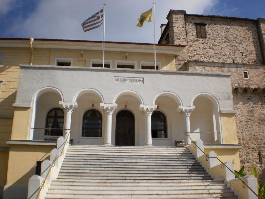 Το πρώτο κρούσμα από το Άγιον Όρος νοσηλεύεται στο ΑΧΕΠΑ Θεσσαλονίκης- Είχε ταξιδέψει στην Αγγλία