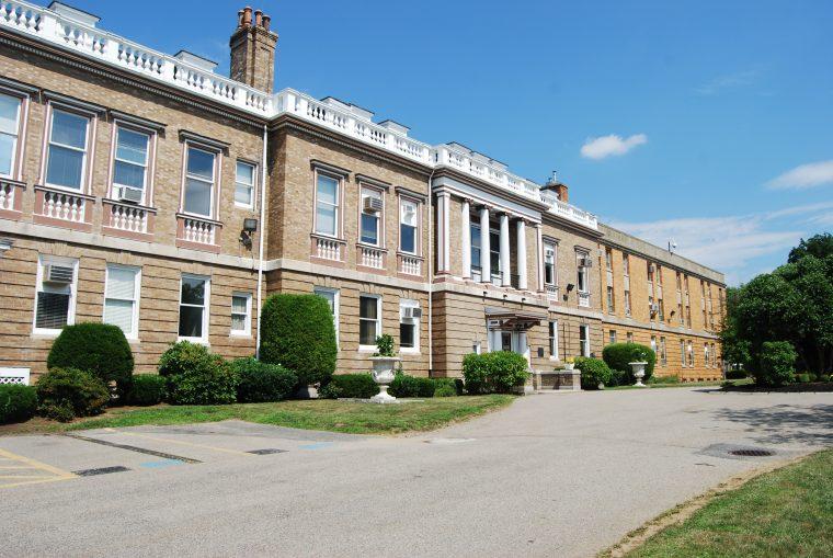 Διαδικτυακά τα μαθήματα στο Κολλέγιο Τ. Σταυρού Βοστώνης λόγω COVID-19