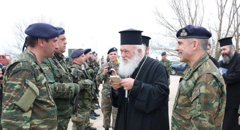 Ο Ιερώνυμος με εξομολογητική διάθεση: «Στο άκουσμα του τη Υπερμάχω ένιωσα για μία ακόμη φορά πόσο δυνατή είναι η ψυχή του Έλληνα»