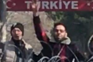 Ο Μητροπολίτης Διδυμοτείχου Δαμασκηνός στην πρώτη γραμμή στις Καστανιές σήμερα μαζί με τους στρατιώτες και τους αστυνομικούς