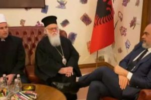 Να αποφεύγονται οι θρησκευτικές συγκεντρώσεις ζήτησε ο Ράμα στην Αλβανία