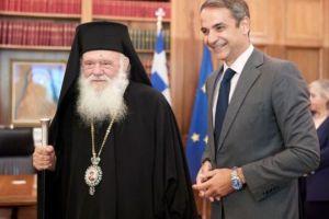 Το διάγγελμα του Πρωθυπουργού αντάξιο των περιστάσεων- Έμμεση παρότρυνση να «κλείσουν» οι Εκκλησίες