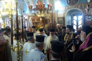 Η Ιερατική Οικογένεια της Τήνου εξοδίασε έναν καλό της Κληρικό