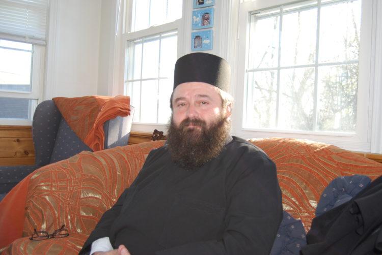 Συγκινητικός ο π.Ευάγγελος: Δεν κολλήσαμε κορονοϊό στους Αγίους Τόπους, τώρα προσευχόμαστε για την παρέμβαση του Θεού στην Ελλάδα και όλο τον κόσμο