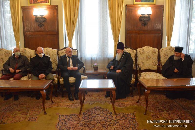 Ανοικτές παραμένουν οι εκκλησίες στη Βουλγαρία για εκκλησιασμό και θεία Μετάληψη!