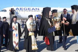 Έφεραν το Άγιο Φως στην Ελλάδα με τιμές Αρχηγού Κράτους αλλά το έκρυψαν για του… χρόνου!!