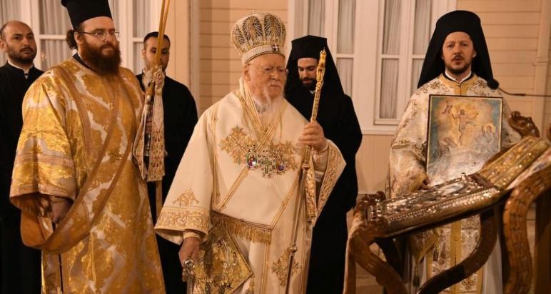 Με Βυζαντινή μεγαλοπρέπεια η Ανάσταση στο Οικουμενικό Πατριαρχείο