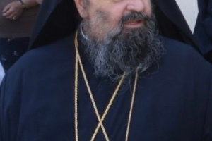 🔺Πιστοί «πολιόρκησαν» τον Σεβ. Δράμας εξω από τον Ι. Ναό  του Αγίου Νικολάου, παρακαλώντας τον να τους αφήσει να μπουν  να προσκυνήσουν τον Επιτάφιο