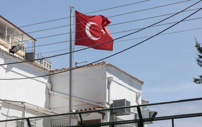 You are currently viewing Τούρκος που μένει στην Ελλάδα ο δωρητής του εξοπλισμού 300.000 ευρώ στο ΕΣΥ ,μέσω της Εκκλησίας της Ελλάδος
