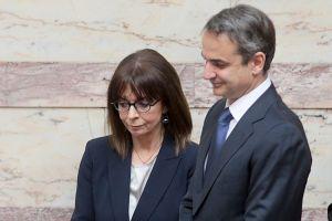 Την ΠτΔ θα ενημερώσει αύριο ο Πρωθυπουργός με τηλεδιάσκεψη