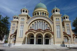 Ο Έλληνας αγαπά την Εκκλησία του. Δείξτε μας ότι την αγαπάτε και σείς!