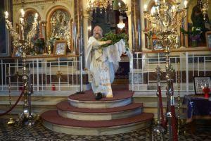 Σείστηκε η Ευαγγελίστρια Χίου ακόμα και με κλειστές πόρτες – Συννελήφθη ο ιερέας!