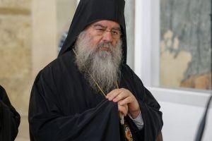 Και ο Σεβ. Λεμεσού Αθανάσιος συνιστά υπακοή: «Καλύτερα να πλανάσαι μαζί με την εκκλησία, παρά να κάμνεις το σωστό και να 'σαι εκτός εκκλησίας»