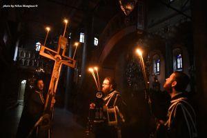 Συγκίνηση και κατάνυξη στην ακολουθία των Παθών του Κυρίου στο Φανάρι