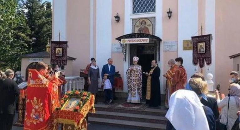 Μολδαβία: Παρών ο πρόεδρος της χώρας στην πρώτη Θεία Λειτουργία μετά την καραντίνα