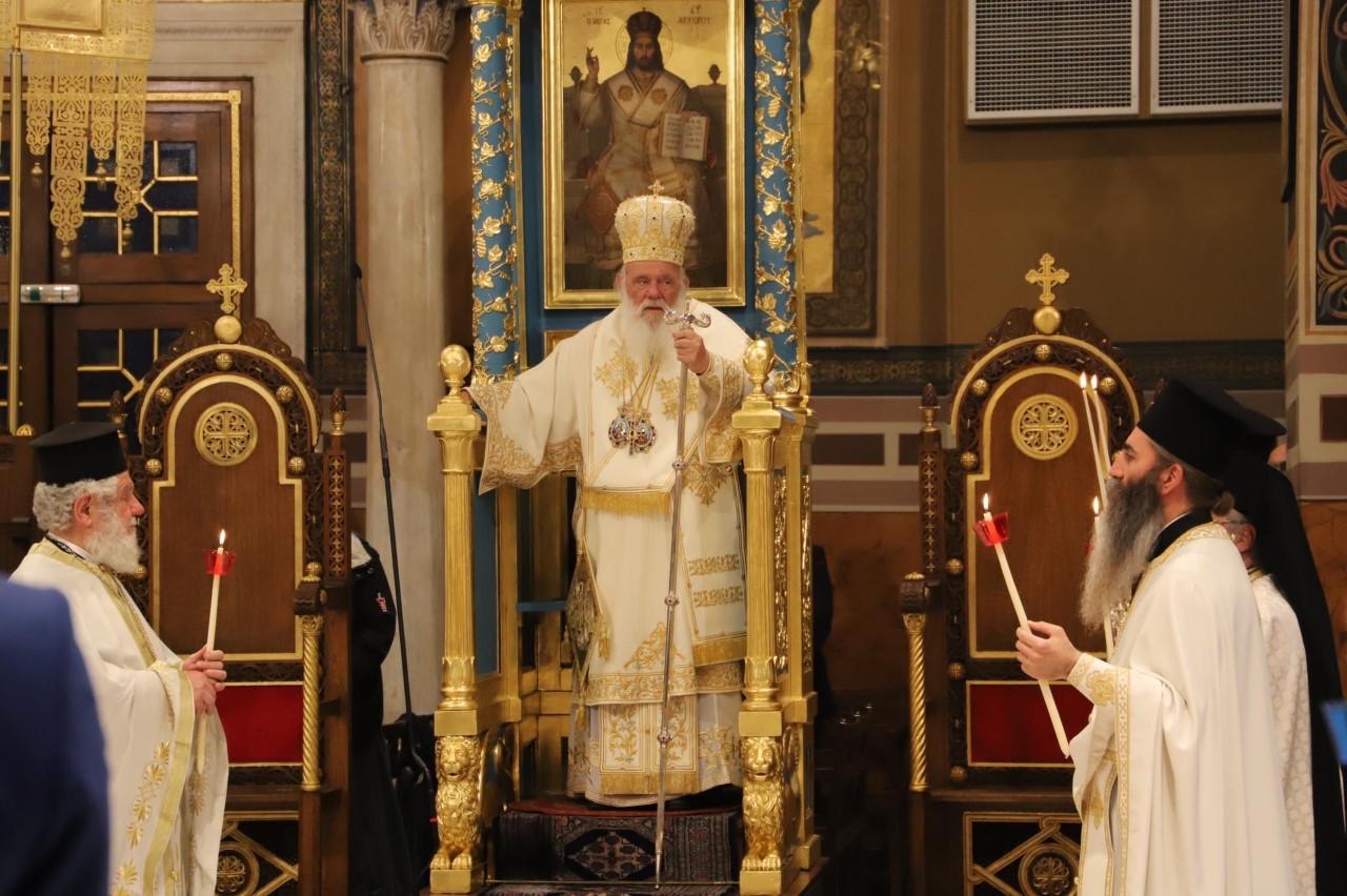 Η Αναστάσιμη Θεία Λειτουργία στην Μητρόπολη Αθηνών
