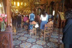 Ενθαρρυντικές εικόνες στις Εκκλησίες μας σήμερα παρά τα πρωτόγνωρα μέτρα που ευτέλισαν την ιερότητα του χώρου