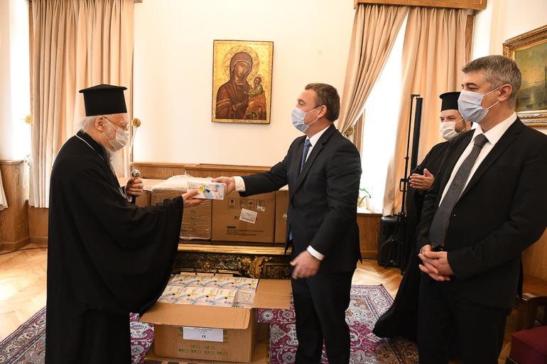Η Κυβέρνηση της Ουγγαρίας πρόσφερε 10.000 μάσκες στο Οικουμενικό Πατριαρχείο