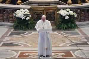 Ο Έλληνας Πρωθυπουργός επικοινώνησε τηλεφωνικά με τον Πάπα Φραγκίσκο